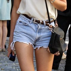 Streetstyle Levi 501 Cut-Off Shorts Featured