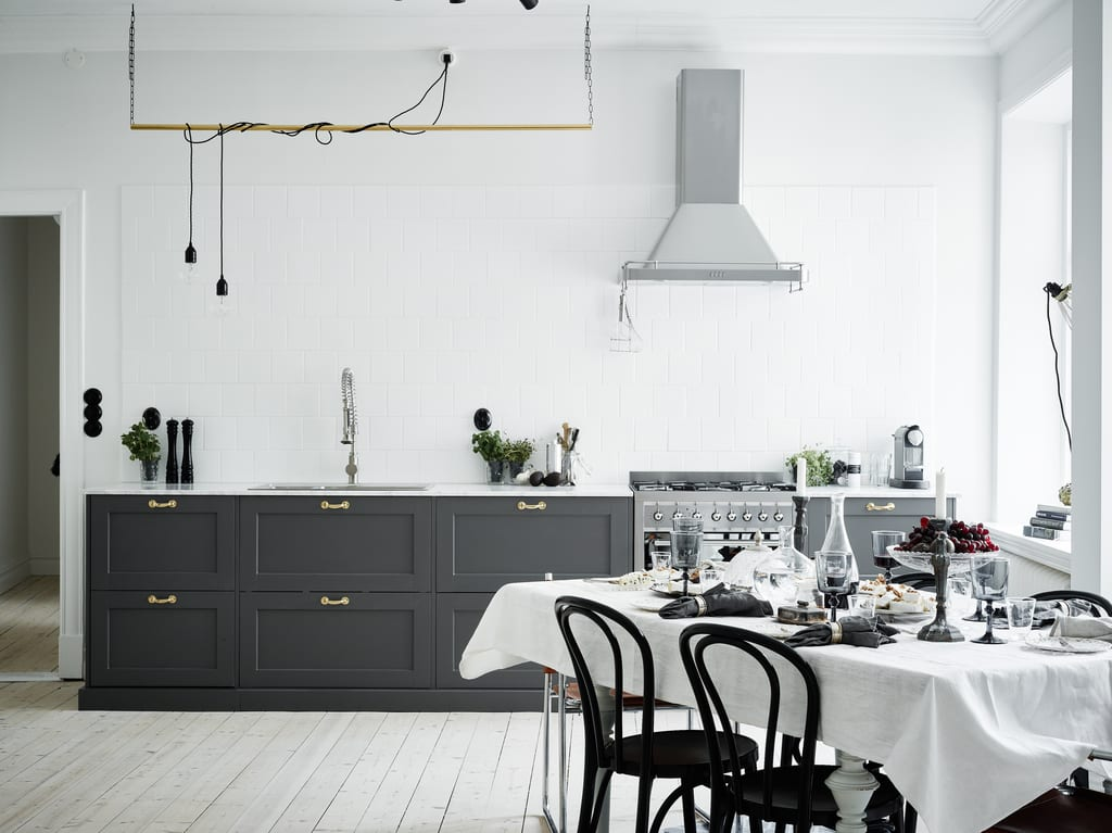 Style&Minimalism | Interiors | A Minimalist Traditional Apartment in Sweden