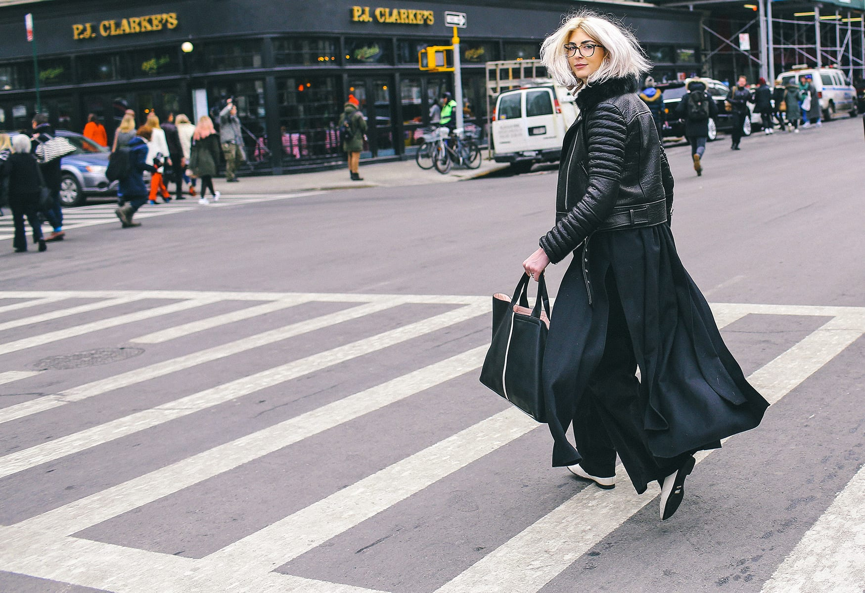 StyleAndMinimalism   Street Style   Fall 2015   NYFW   Kelly Connor by Phil Oh