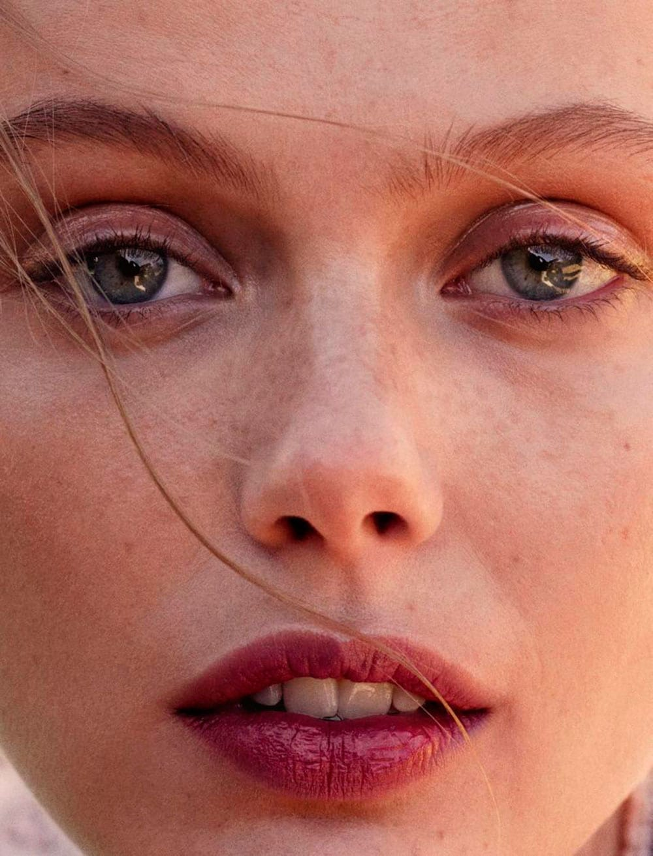 StyleANDMinimalism | Editorials | Glamour France | Frida Gustavsson by Benjamin Vnuk