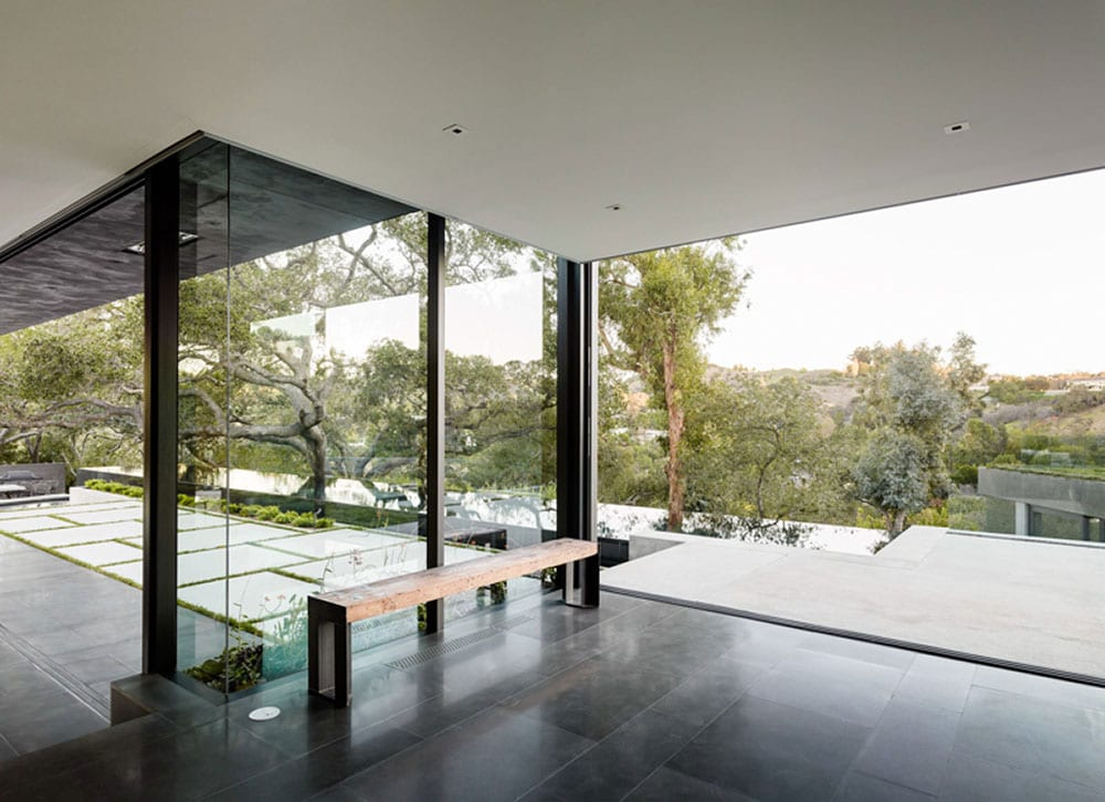Walker workshop 39 s oak pass main house style minimalism for Minimalist house beverly hills
