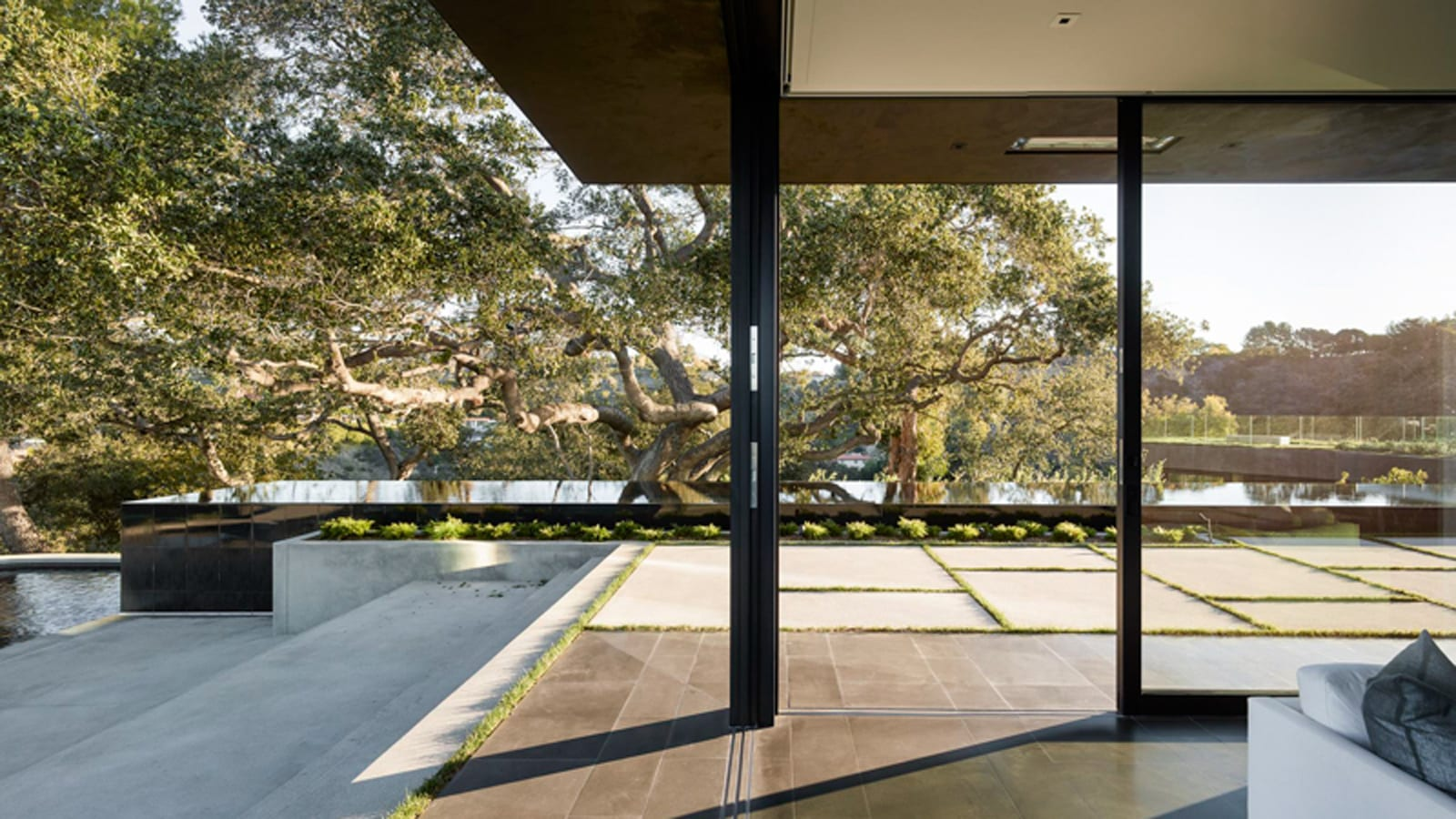 Style&Minimalism | Architecture | Oak Pass Main House, Beverly Hills