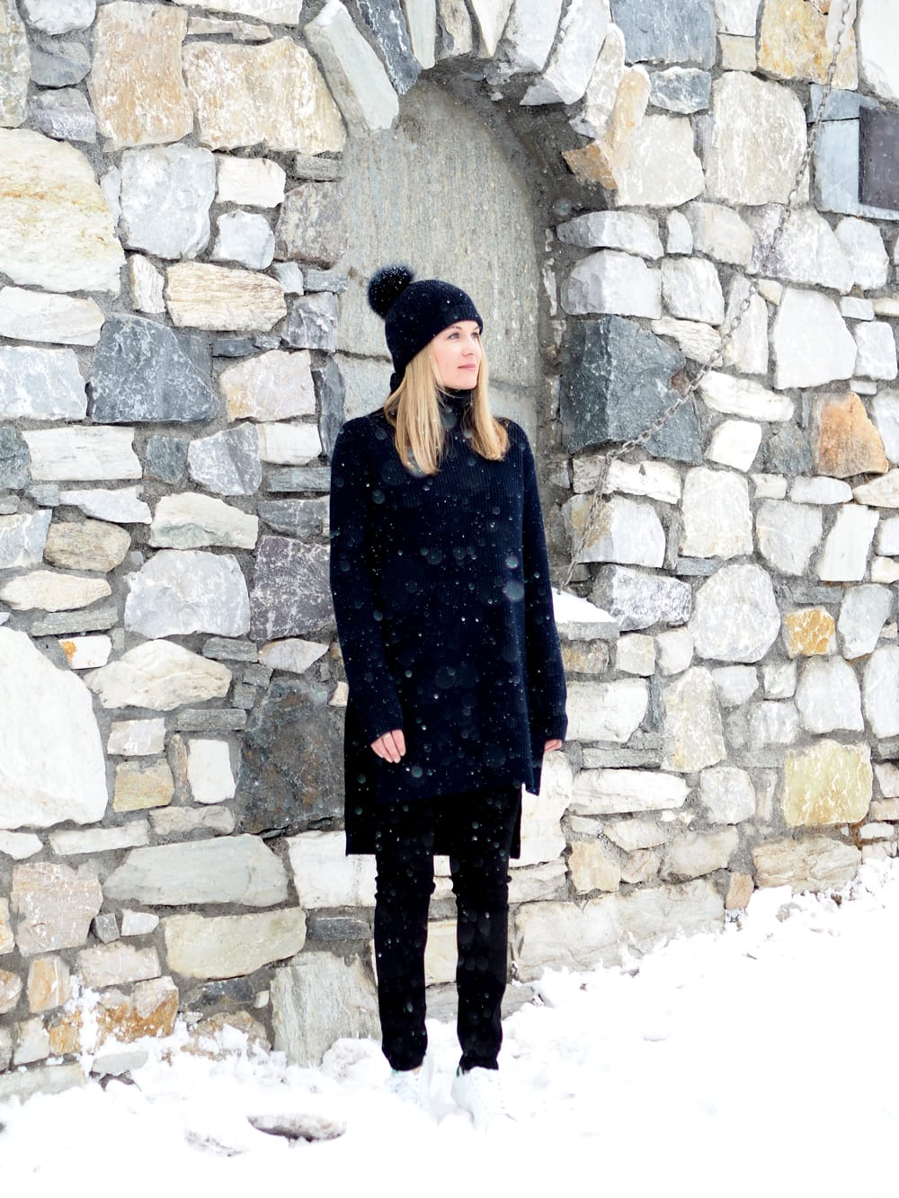 Style&Minimalism | It's Personal | Val D'Isère | Chalet Style | Ille De Coco Tunic, NYDJ Jeans, ME+EM Woolly Hat