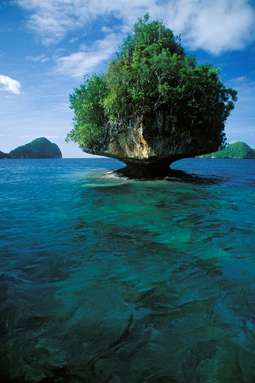 Style&Minimalism | Travel Bucket List 2016 | Palau | A Rock Island