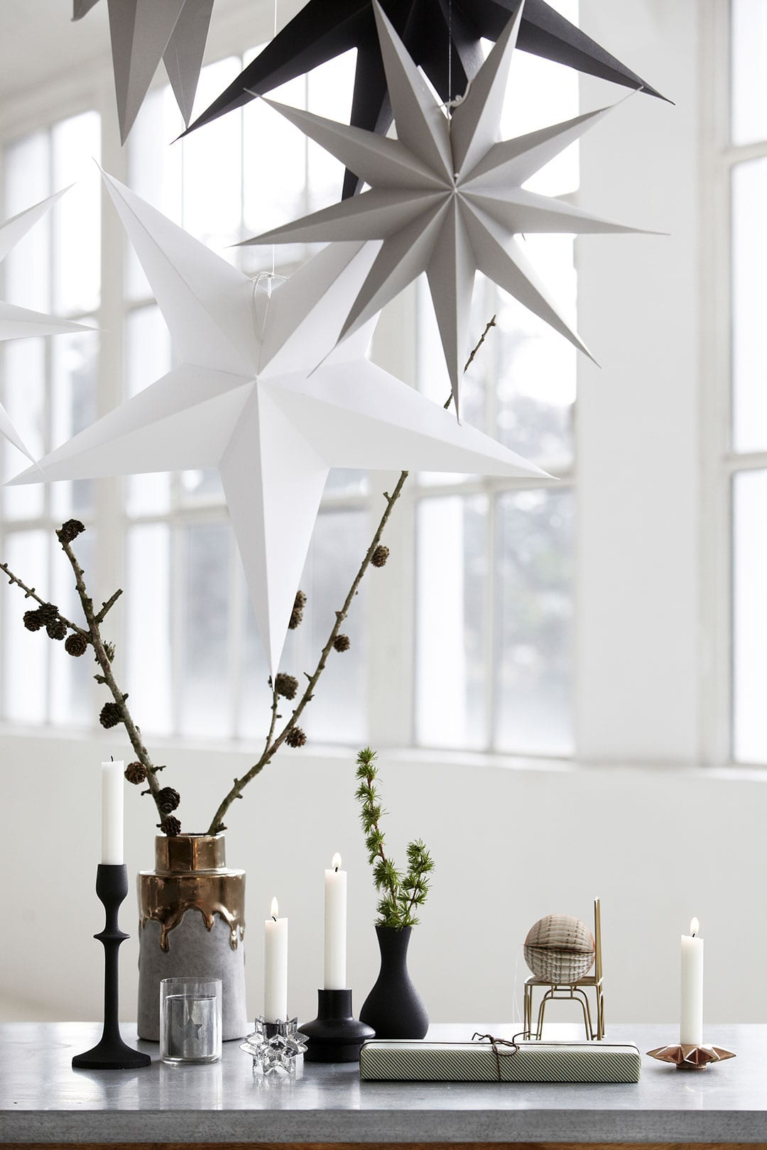 Minimalist christmas decorations style minimalism for Minimal decoration