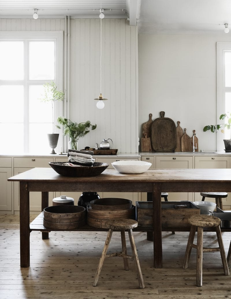 Wooden kitchen table | Home of Artilleriet's Owners