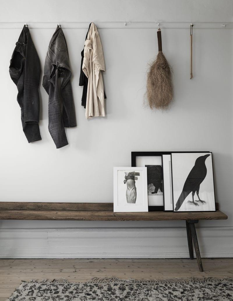Wall hooks, artwork & wooden bench | Home of Artilleriet's Owners