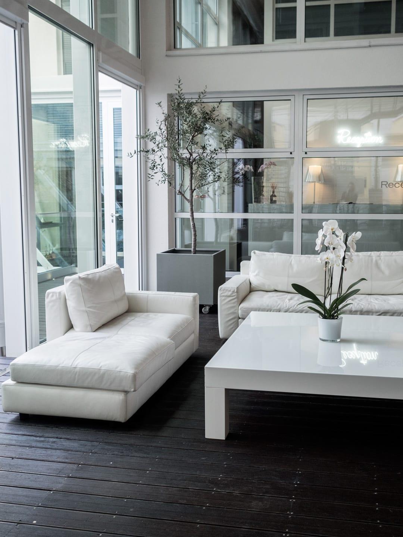 Amazing hotel magna pars suites milano with interior for Interior designer milano