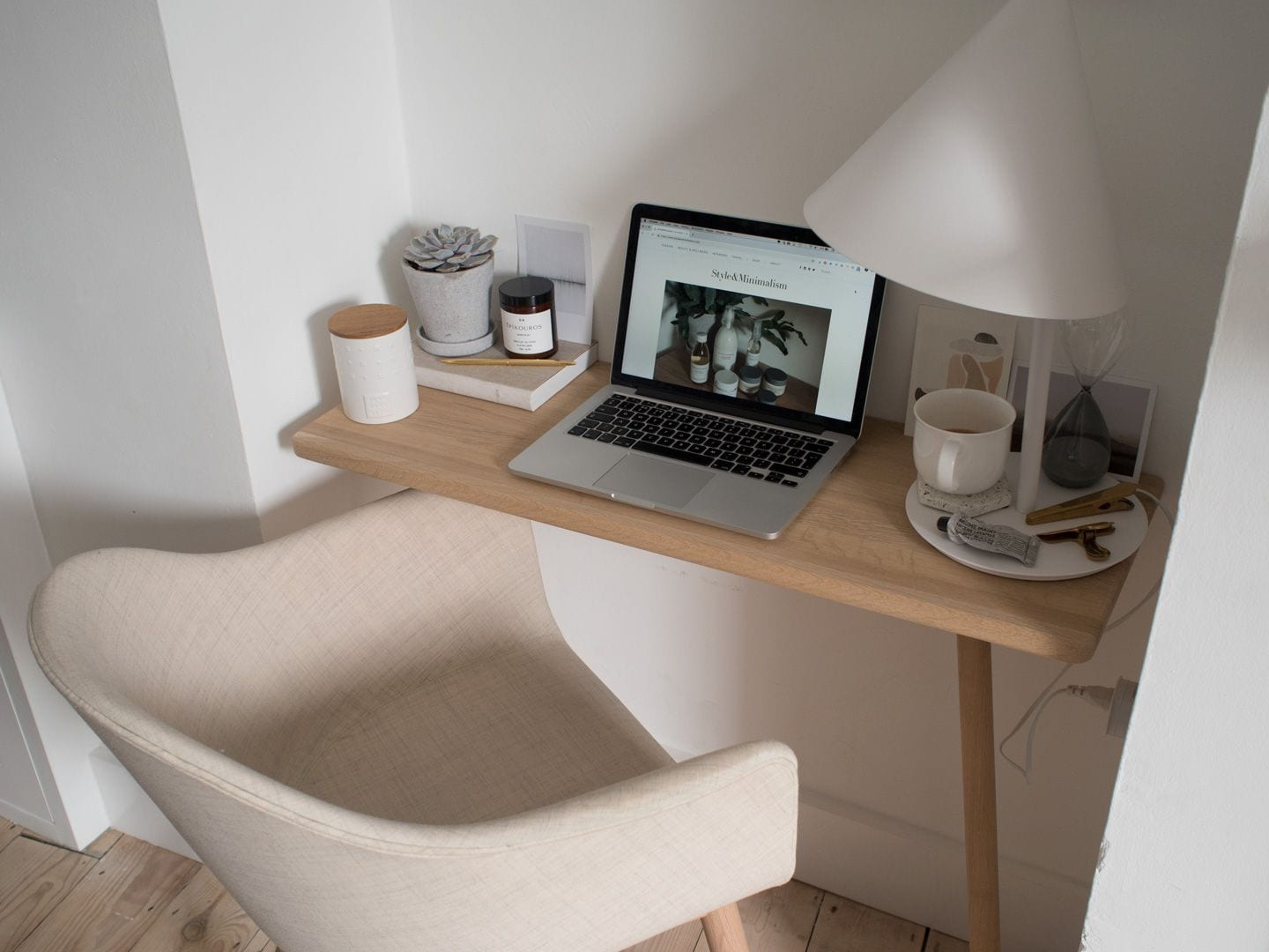 Calming Minimal Home Workspace
